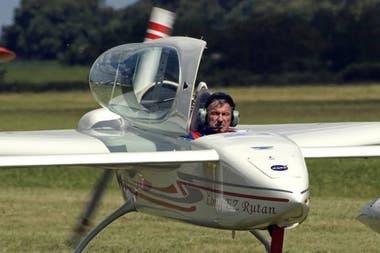 El piloto fallecido fue identificado como Aldo Nicola, de 74 años