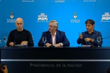 """El Presidente aclaró que las escuelas seguirán abiertas y que quedan exceptuados de la restricción fronteriza los """"argentinos nativos o residentes en Argentina""""; será solo para los ingresos, y no para los egresos del país"""
