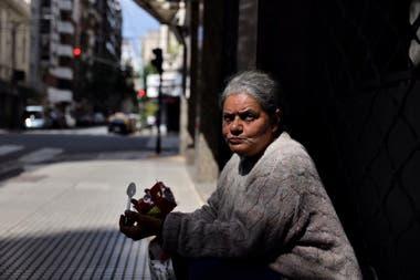 María Delia Quiroga de 66 años vive en la calle