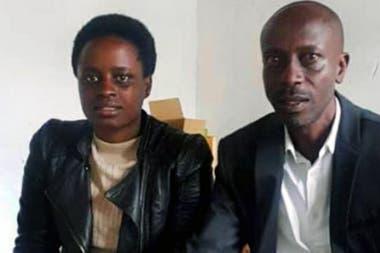 Grace Umutoni y Antoine Rugagi viajaron a Kigali para recoger los resultados de su prueba de ADN