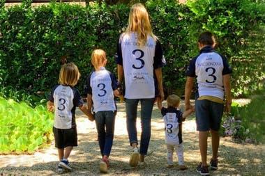 El mejor equipo de Mac Donough: Mechi, su mujer, y los cuatro hijos: Rafa, Olivia, Irenita y Milo