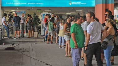 9ab27fea8bc57 Fiebre amarilla  largas filas para vacunarse antes de viajar a Brasil