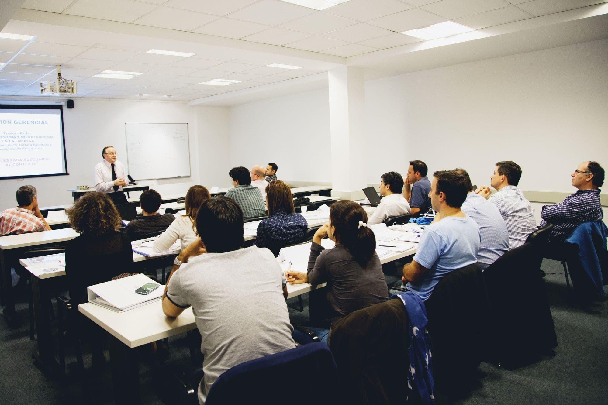 Definir cursos de citas en línea