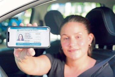 La licencia de conducir es una documentación que ya se puede llevar en el smartphone