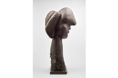 "Escultura de bronce ""Cabeza de mujer"", 1931-1932"