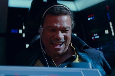 Lando (Billy Dee Williams), a bordo del Halcón Milenario