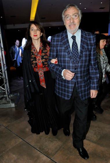 Su compañero de elenco, Luis Brandoni, llegó junto a su mujer, Mónica López