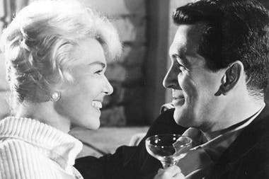 Junto al actor Rock Hudson, su compañero de elenco en las exitosas comedias románticas que protagonizó en el pico de su popularidad como actriz de cine