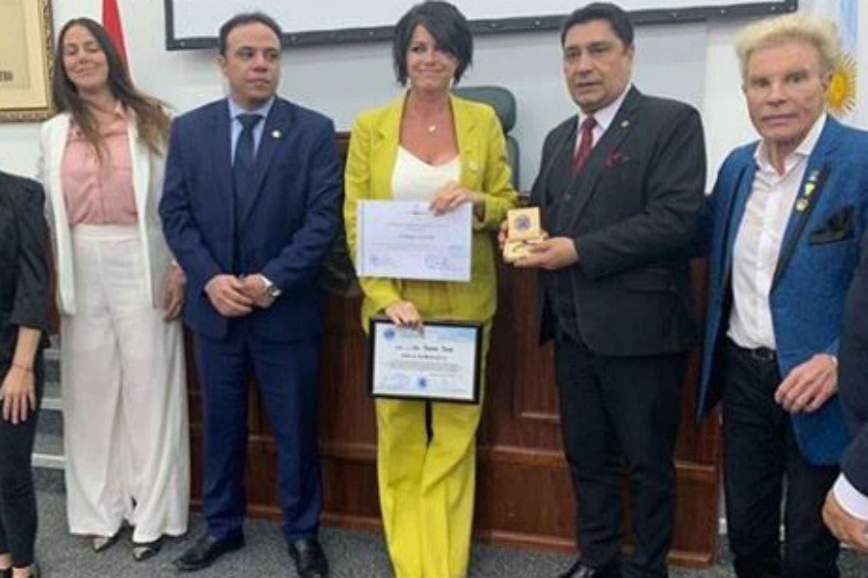 Escándalo con Pamela David en Paraguay por un premio por defender el chipá guazú