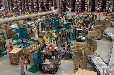 Amazon dijo que hace cumplir estrictamente las reglas de distanciamiento social en sus instalaciones