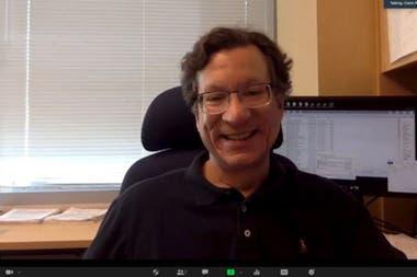 El laboratorio del profesor de inmunología y microbiología Mike Farzan fue responsable de descubrir los receptores ACE-2, por los que el SARS-CoV-2 se engancha a las células humanas.