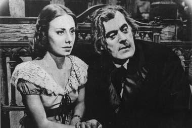 María Concepción César junto a Raúl de Lange, en El crímen de Oribe (1950)