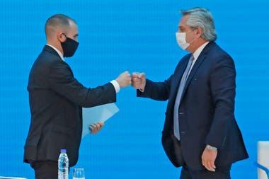 """El presidente Alberto Fernández """"empoderó"""" a Guzmán para bajar la tensión cambiaria desatada tras las medidas restrictivas en materia económica a mediados de septiembre"""