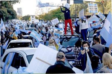Marcela Campagnoli por la Coalición Cívica ARI pidió que se investiguen posibles amenazas e intimidaciones hacia vecinos de Tigre que participaron de las marchas contra la cuarentena.