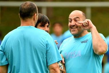 Mario Ledesma y un rato de distensión antes del último partido