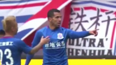 Tevez marcó en la Superliga de China
