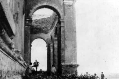 Uno de los costados del Hotel Mar del Sud en 1911