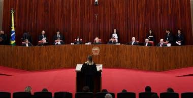 Vista del plenario del Tribunal Superior Electoral durante el juicio
