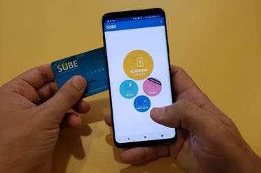 La tarjeta para el pago del transporte público pronto se podrá usar de forma directa desde el celular