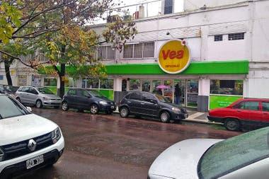Las tierras del Supermercado Vea, en La Plata, quedaron a disposición del Estado, que las vende; la idea es que allí siga funcionando un supermercado.