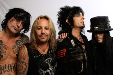 The Dirt, sobre Mötley Crüe