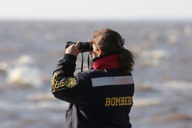 Continúa la búsqueda de los pescadores desaparecidos en Punta Lara