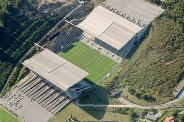 Estadio Municipal del SC Braga situado en medio de las montañas en Portugal