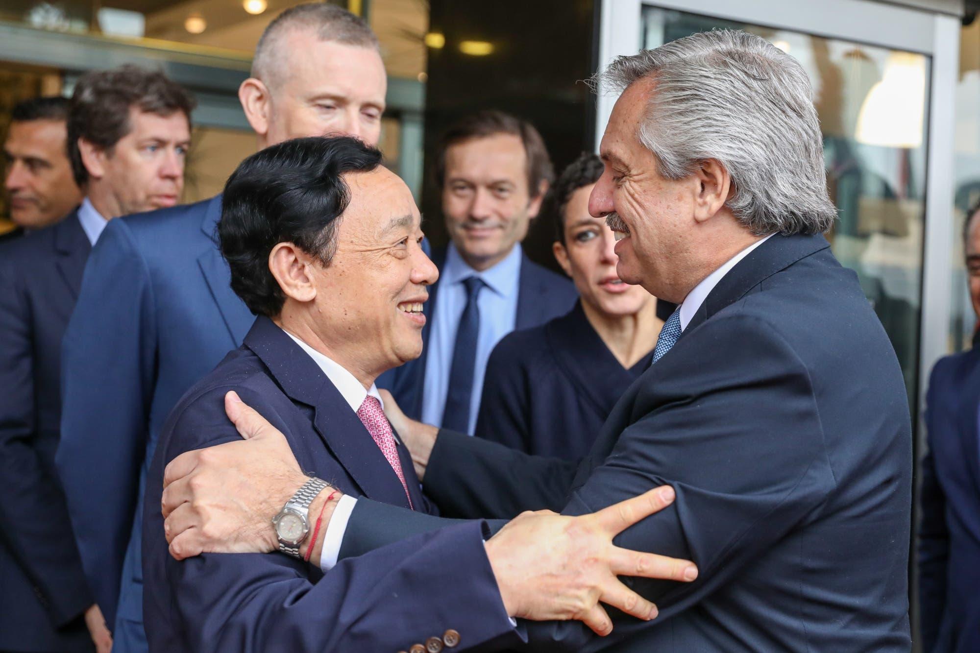 Fernández hizo equilibrio entre China y EE.UU. para conseguir ayuda para la Argentina