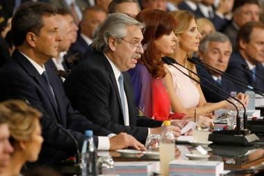 Alberto Fernandez, ante la Legislatura