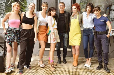 Las actrices junto a Adrián Suar, quien, según Antonópulos, fue un gran generador de empleo