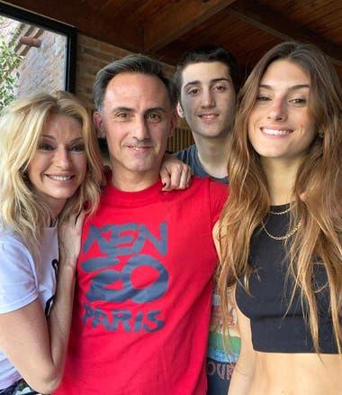 Diego Latorre festejó su cumpleaños en familia.