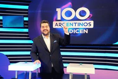 100 argentinos dicen, conducido por Dario Barassi