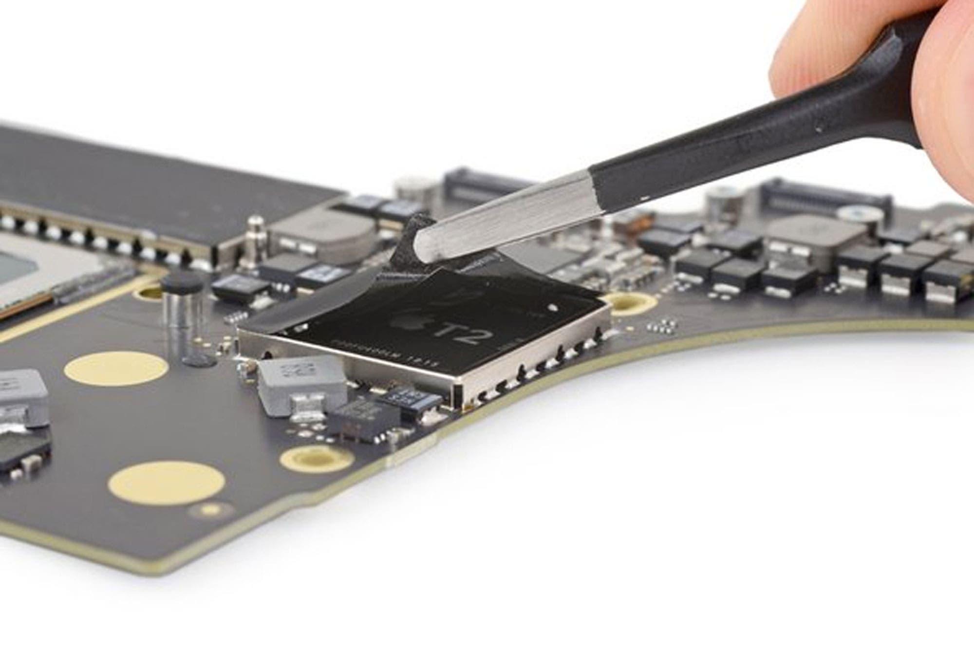 Logran vulnerar la seguridad del chip T2 de las computadoras Mac con un cable USB tipo C modificado