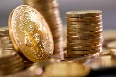 Con la cotización del martes, la suma total que representan los inaccesibles 7002 bitcoins es de US$242.546.164 millones, con 27 centavos