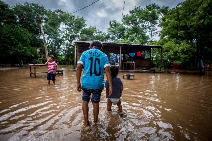 Crecida del río Pilcomayo: se calcula que se evacuaron más de 8600 personas