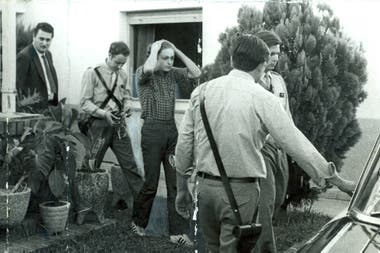 Carlos Robledo Puch, en el momento de la reconstrucción de uno de sus homicidios