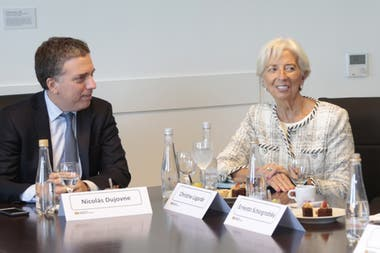 Dujovne se reunirá hoy con la directora gerente del FMI, Christine Lagarde