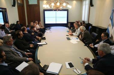 La reunión que encabezó Etchevehere con los diversos sectores ligados a semillas