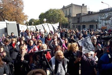 Gran cantidad de gente se acercó a los tribunales para pedir justicia por Fernando