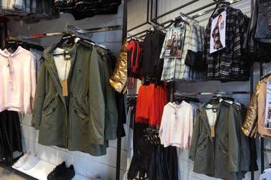 1621a1ea9ab3 Dónde comprar ropa a buen precio en la Avenida Avellaneda - LA NACION