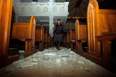 Por el terremoto varias zonas siguen incomunicadas