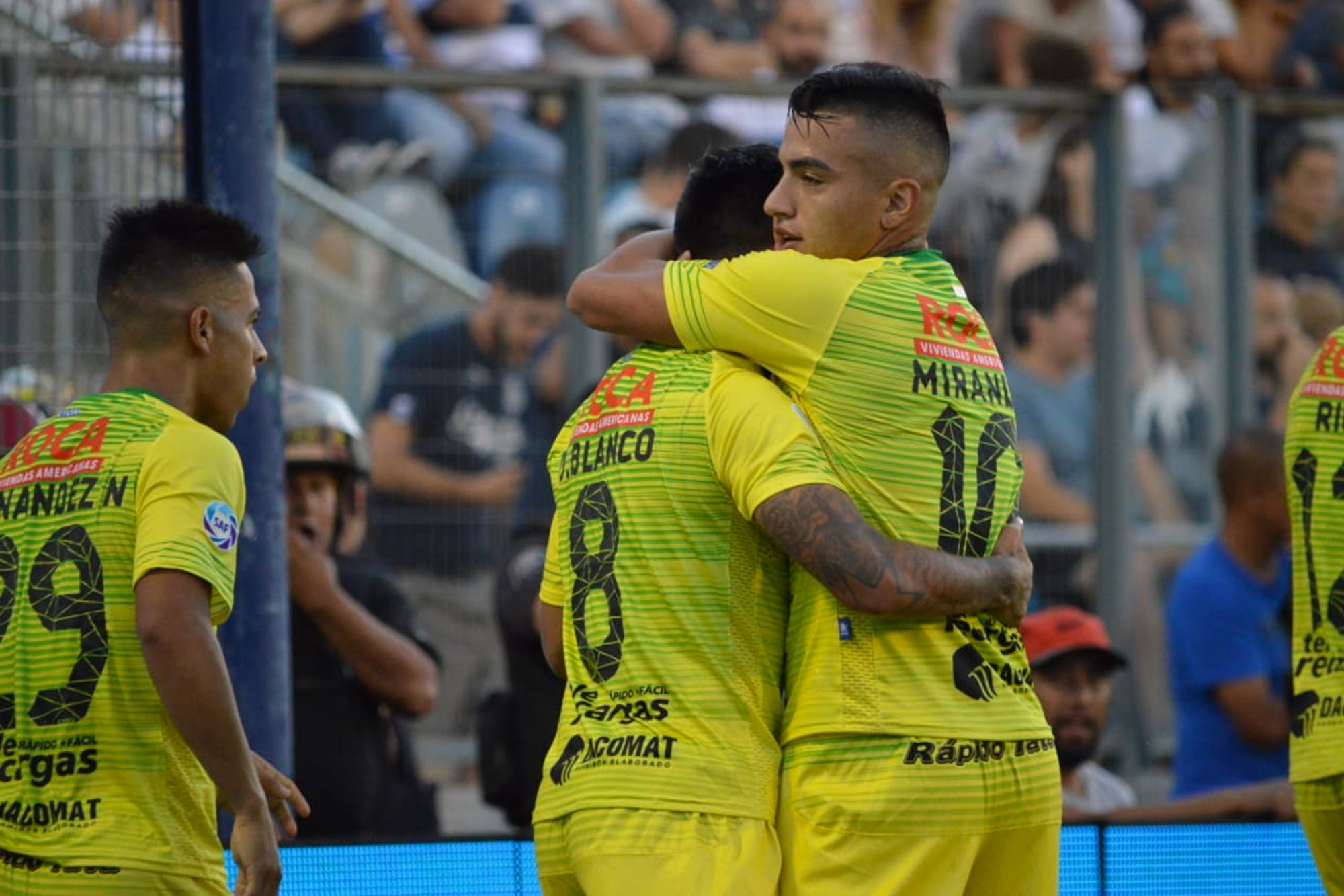 Gimnasia-Defensa y Justicia, Superliga: en un partido con incidentes, el Halcón gana y es el único puntero