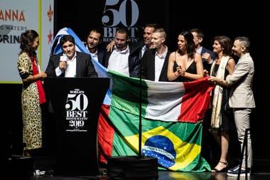 Mauro Colagreco festeja con su equipo