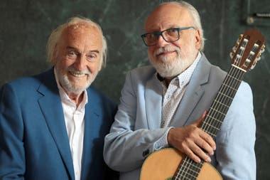 Como hace 3000 años se llama el espectáculo que ofrece junto al guitarrista -y amigo de muchos años- José Luis Merlín
