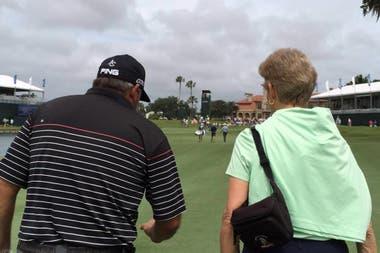 Con Angel Cabrera, recorriendo uno de los campos del PGA Tour
