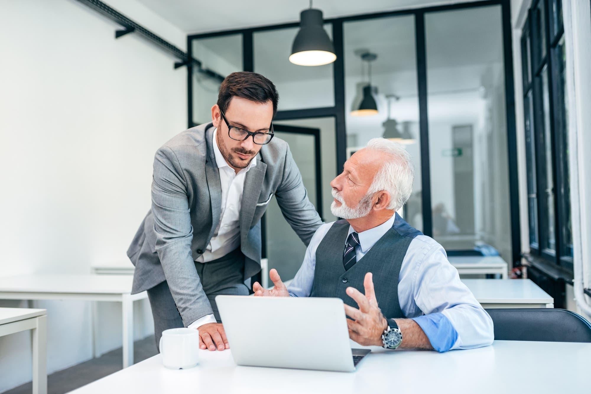 Cómo lograr la reinserción laboral después de los 40 años con la ayuda de la tecnología