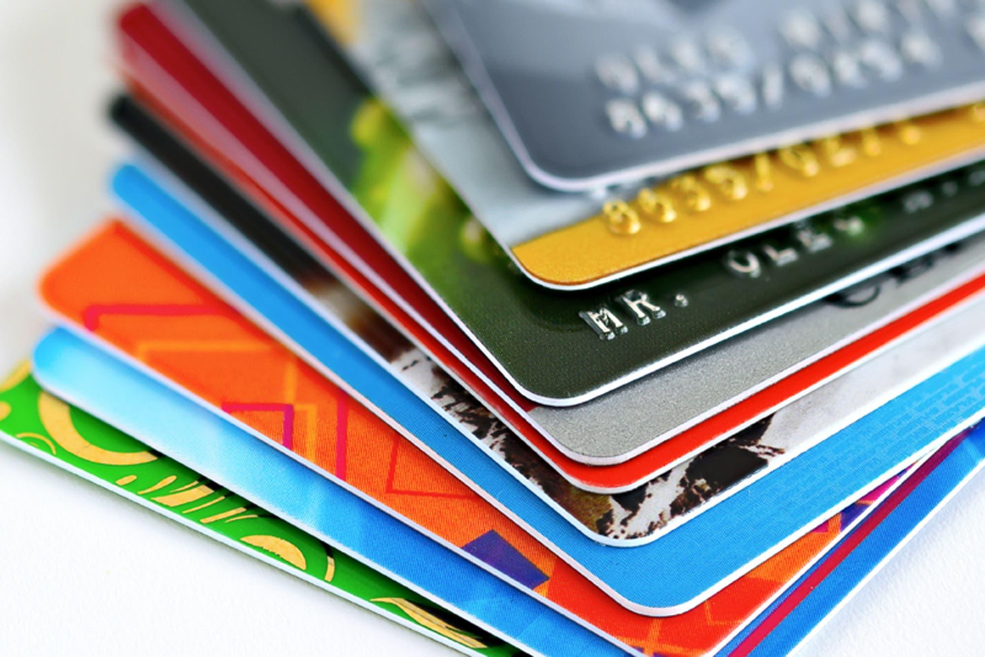 <br>Tasas de interés en tarjetas superan hasta en 23 veces la inflación anual