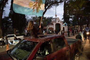 El banderazo será desde las 16 en todas las plazas del país, mientras que en Buenos Aires se concentrará principalmente en el Obelisco
