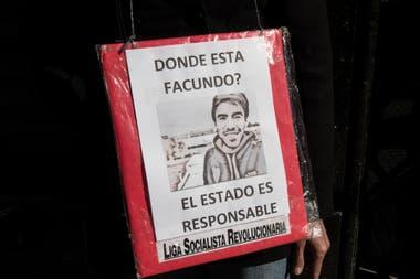 La sociedad argentina se expresó de diferentes maneras para exigir la aparición con vida de Facundo Astudillo Castro