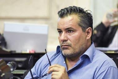 El legislador del Frente de Todos fue registrado en una imagen de explícita connotación sexual durante la sesión de hoy